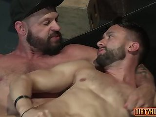 Muscle bear foursome with cumshot