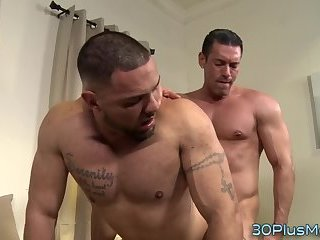 Buff hunk gets spunked on