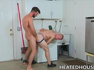 Ripped jocks fucking hard after outdoor oral session