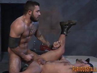 Brawny bear fucks n cums
