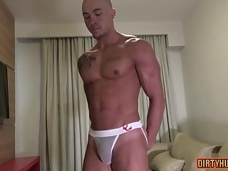 Muscle amateur rimjob and cumshot