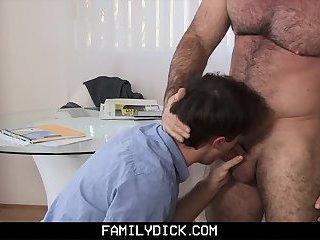 FamilyDick - Muscle daddy barebacks stepson