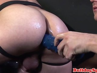 Hung muscle sucked before bareback sex