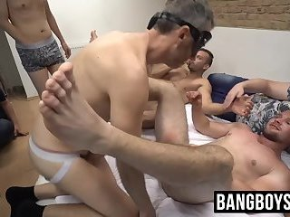 Debaucherous homosexual orgy of vigorous cock sucking