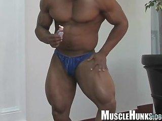 Japanese bodybuilder rimjob and cumshot