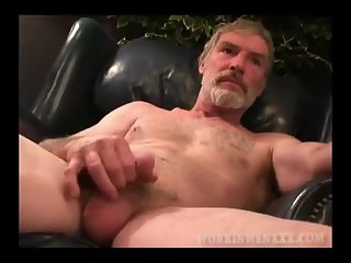 Mature Amateur Paul Jacks Off