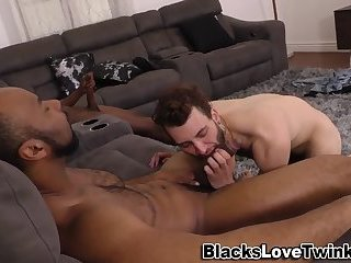 Nubian dudes gets a bj