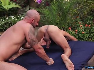 Latin son outdoor with cumshot