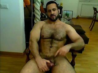 Iranian muscle wank