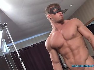 Muscle man jerks his hard dick