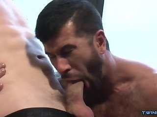 Big dick twink flip flop and cumshot