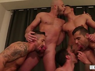 Muscle gay bareback and cum swap