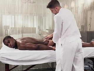 THE HOTTEST BLACK MAN EVER GETS HIS PERFECT HOT ASS RIMMED