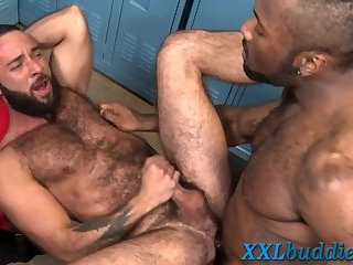Hunk pounded with bbc