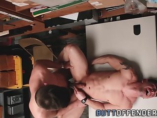 Thief spermed by twink