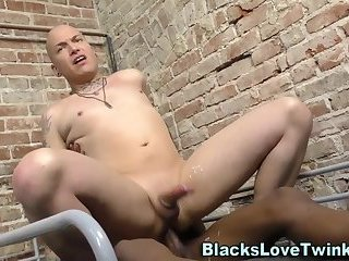 Amateur guy gets pounding