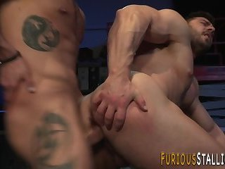 Ripped guy rides dong