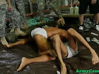 Tattooed army muscle drills tight asshole