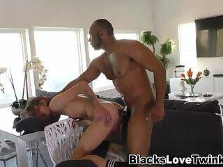 Ebony hunk fingers ass