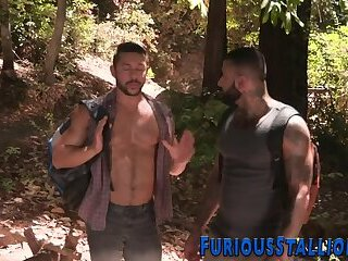 Muscly studs sucking dick