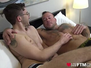 Inked jock raw fucked after giving an outdoor massage
