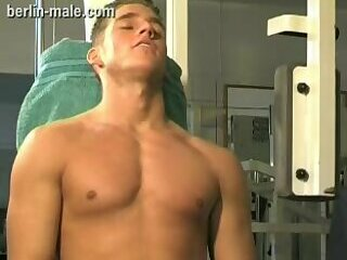 Hot Guy Jerking Off In Gym