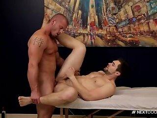 James Huntsman & Griffin Barrows - Celebrity Massage
