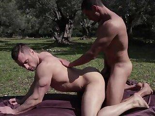 Stas Landon & Javi Velaro - Whore For More
