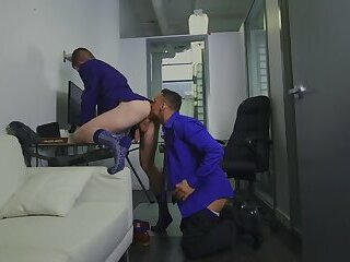 Manuel Skye & Thyle Knoxx - ASSisting The CEO