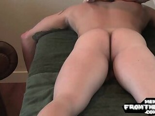 Naughty massage turns into handjob sesh