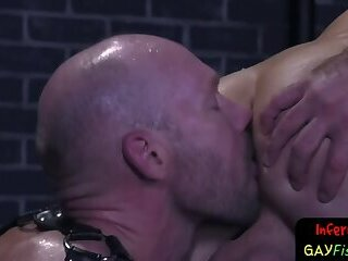 Muscular stud getting rimmed by otter