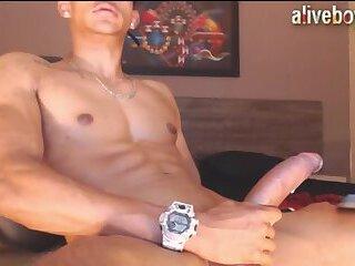 Handsome jasoonkooper cums after wanking big cock