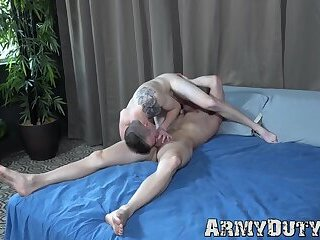 Two athletic soldiers suck dick and bareback each other