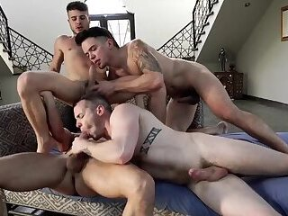 Unforgettable bareback group sex - part 1