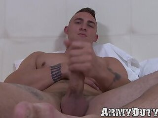 Muscular army hunk Ripley Grey jacks off his big cock