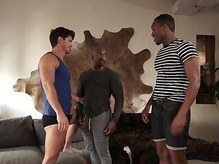 Hunks bareback orgy