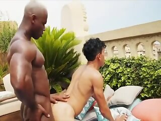 WHITE hooker acquires SERVICED