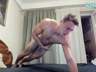 handsome bodybuilder solo webcam