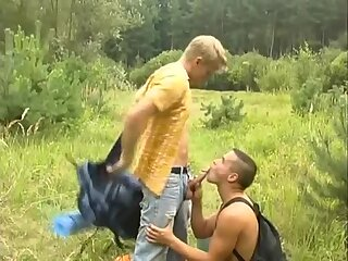 Two twinks fuck in the woods