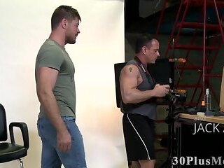 Muscled dude sucks cock and gets fucked