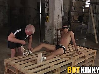 Submissive blindfolded twink Axel Rubberax wax tormented