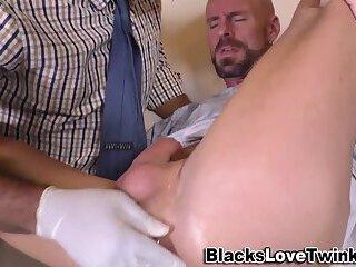 Buff white dude rides black schlong