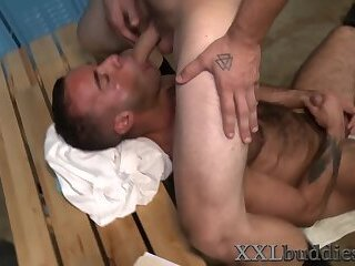 Hairy bear with big cock gets suck and fuck