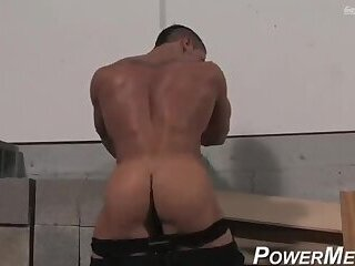 Hot Joey showing