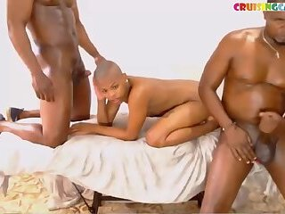 Long ebony nipples live on Cruisingcams.com