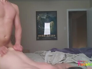 VOCAL BOTTOM TAKING BIG COCK