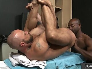 Hung Black Guy Assfucked A Hairy White Dude