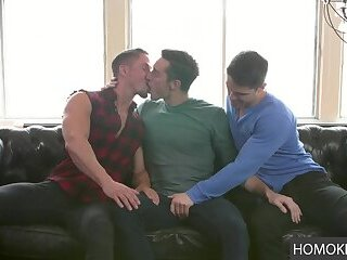 Three gay friends do an incredible threesome