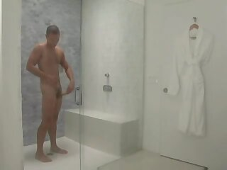 Hunks suck and fuck in shower