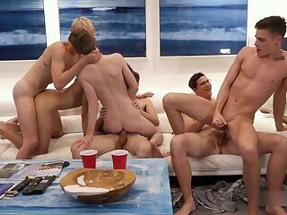LucaVisconti - BEACH BUMS 10: GRAND FINALE, orgy with Mozart